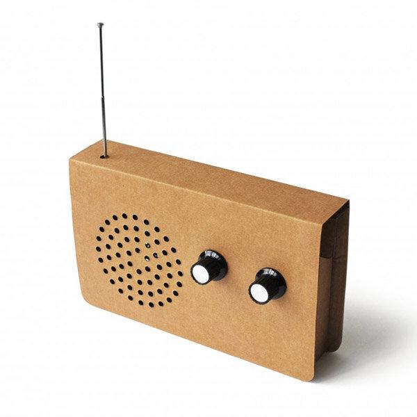 Radio aus Karton