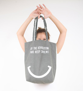 DO THE REVOLUTION AND KEEP SMILING - Tasche - Lena Schokolade